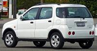 2002 Holden Cruze (YG) wagon (2010-07-19) 02.jpg