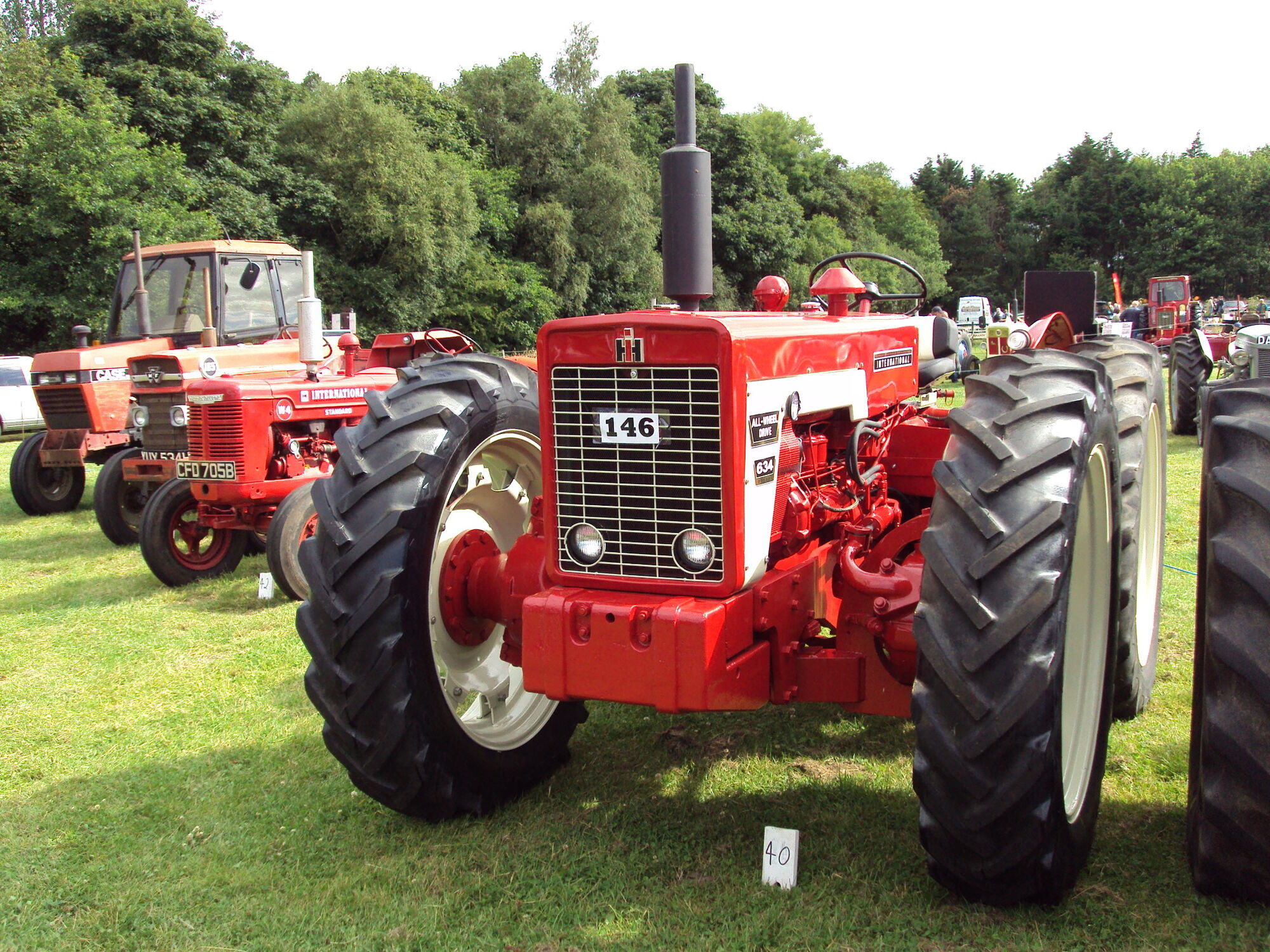 Vintage Front Wheel Drive Tractors : International all wheel drive tractor construction