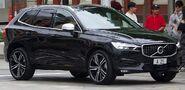 2017 Volvo XC60 T6 R-Design wagon (2017-12-09) 01
