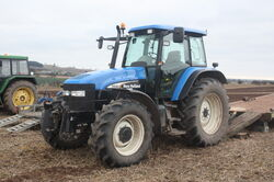 New Holland TM140 - FY52 KFC at Bernard Saunders WD 08 - IMG 4145