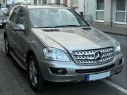 Mercedes ML Offroad-Paket front