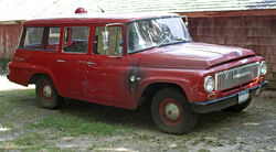 1965 IH D1100 Travelall front right