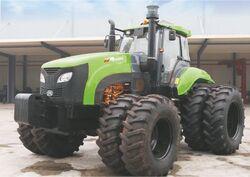 Green Bull 2204 MFWD (KAT) - 2013