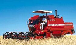MF 3640 combine - 2001