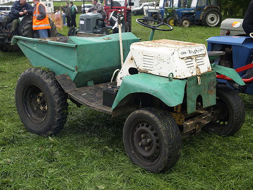 File:A 1970s LINER Roughrider Sitedumper awaiting restoration.jpg