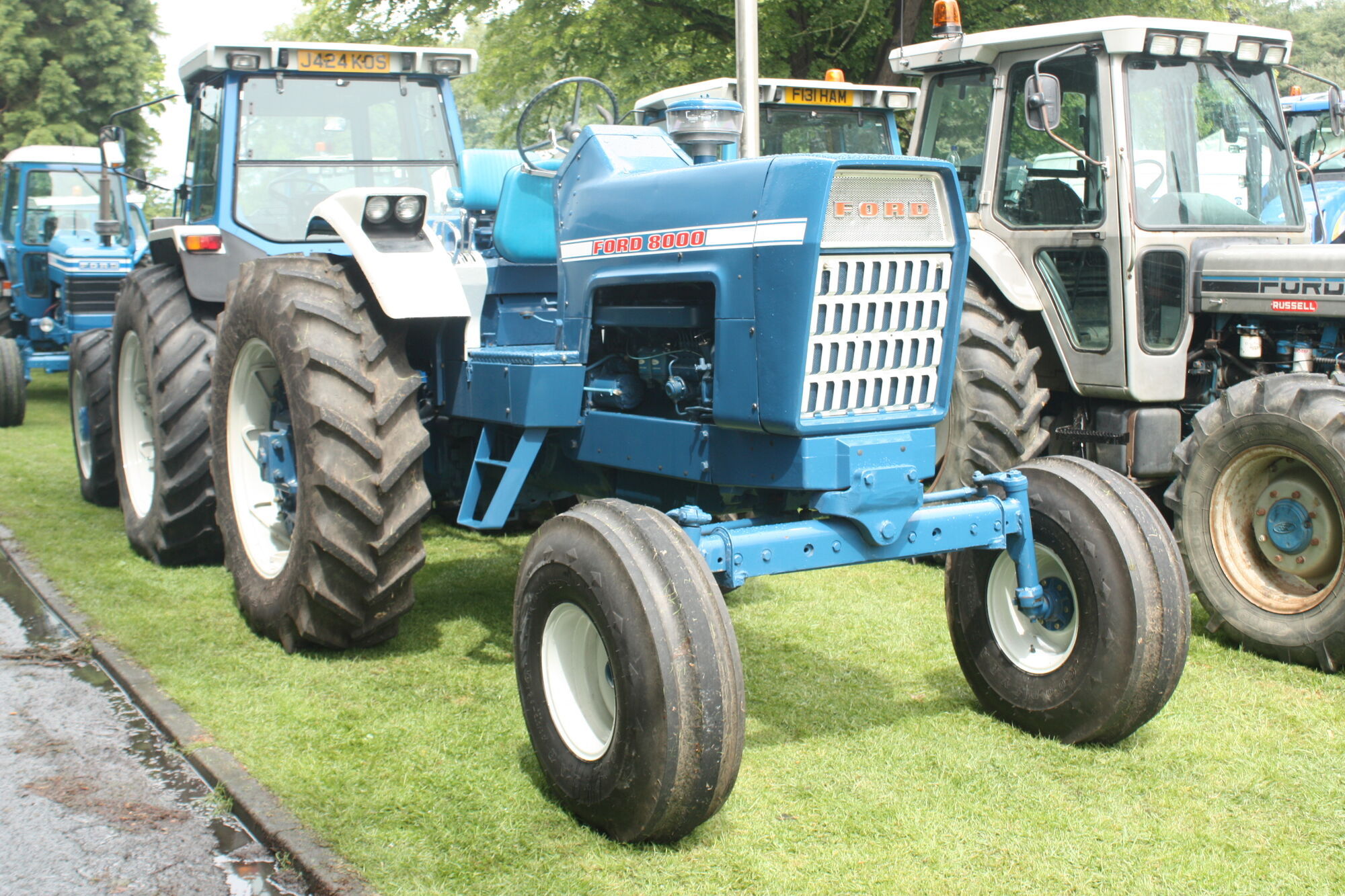 1968 Ford 2000 Diesel Tractor : Ford tractor construction plant wiki fandom