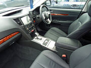 2010 Subaru Outback (MY10) Premium station wagon 02