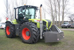 Claas Xerion 3800 trac at LAMMA 2011 - IMG 6064