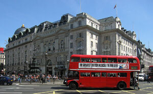Routemaster Bus, Piccadilly Circus