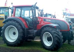 Valtra T202 MFWD (red) - 2009