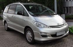 Toyota Previa Facelift front