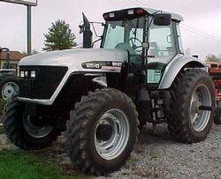 White 8510 MFWD - 2001