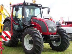 Valtra N141 MFWD (red) - 2009