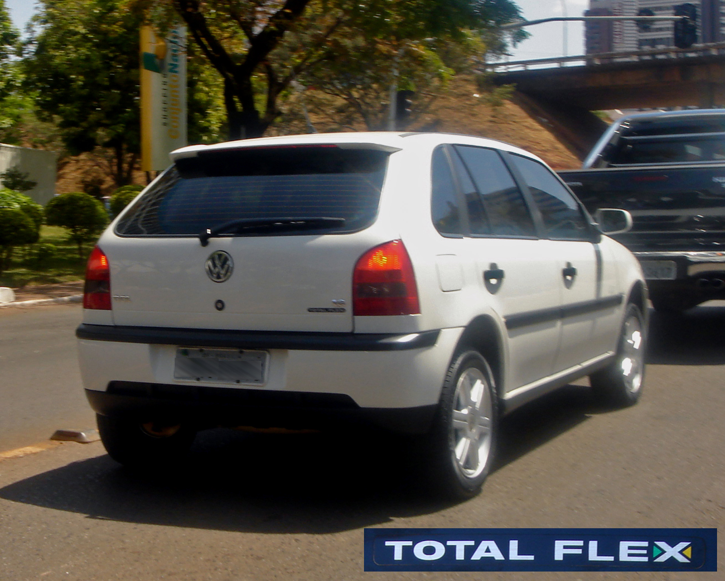 3d1c5bc162757 The 2003 Volkswagen Gol 1.6 Total Flex was the first flexible-fuel vehicle  produced and sold in Brazil.