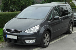 Ford Galaxy II front 20100815