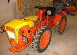 Pasquali 945-601 MFWD (orange & yellow)