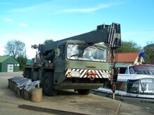 VICKERS-AWD Smith LT-20 Army Cranetruck