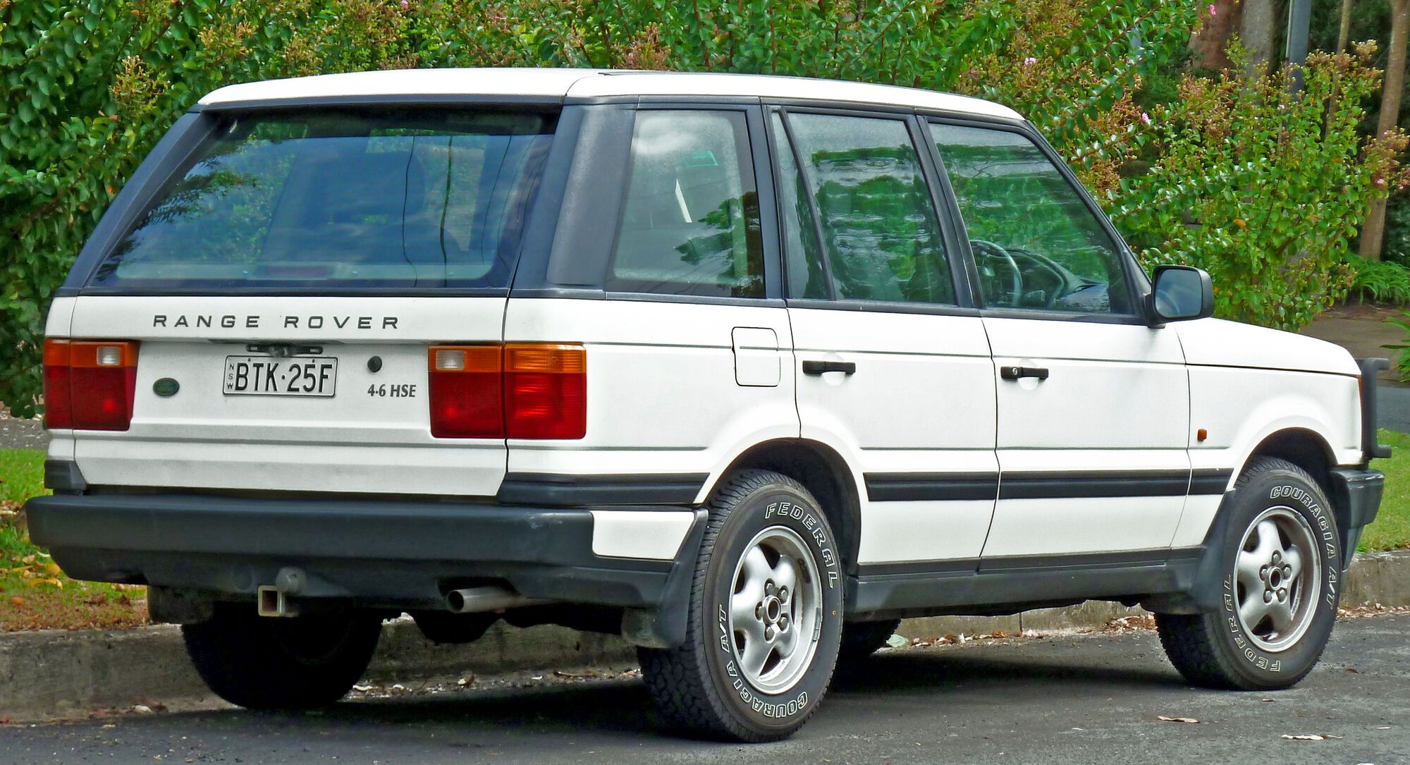 Range Rover (P38A) | Tractor & Construction Plant Wiki | FANDOM powered by  Wikia