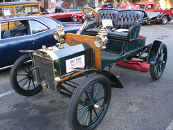 1907 Ford Model R front 34