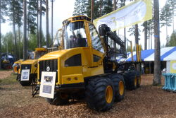 Sampo-Rosenlew FR28 forwarder