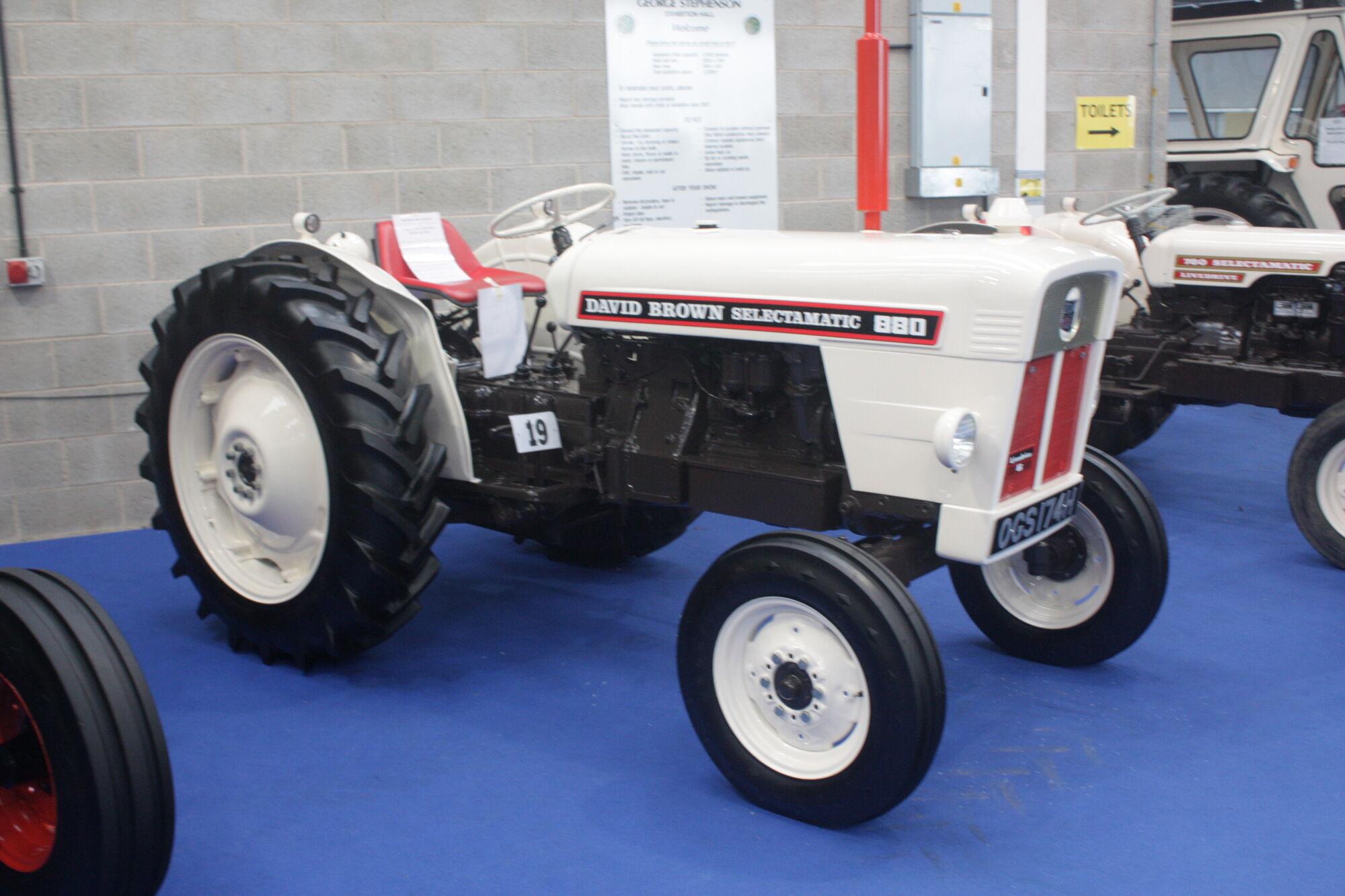 david brown 880 selectamatic tractor construction plant wiki rh tractors wikia com David Brown Tractor Models David Brown Tractor Models