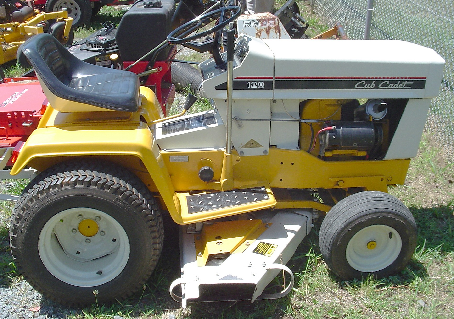 Wiring Diagram For Zetor Tractor Electrical Ih 300 Utility Cub Cadet Gt 2042 Trusted U2022 Lawn Tractors