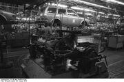 Bundesarchiv B 145 Bild-F038791-0007, Wolfsburg, VW Autowerk