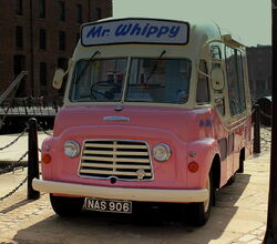 MR WHIPPY KARRIER ICE CREAM VAN ORIGINAL AT THE ALBERT DOCK LIVERPOOL MAY 2013 (8717643464)
