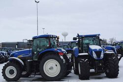 New Holland T7030 | Tractor & Construction Plant Wiki
