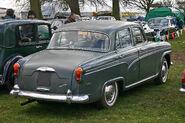 Austin A105 Vanden-Plas rear