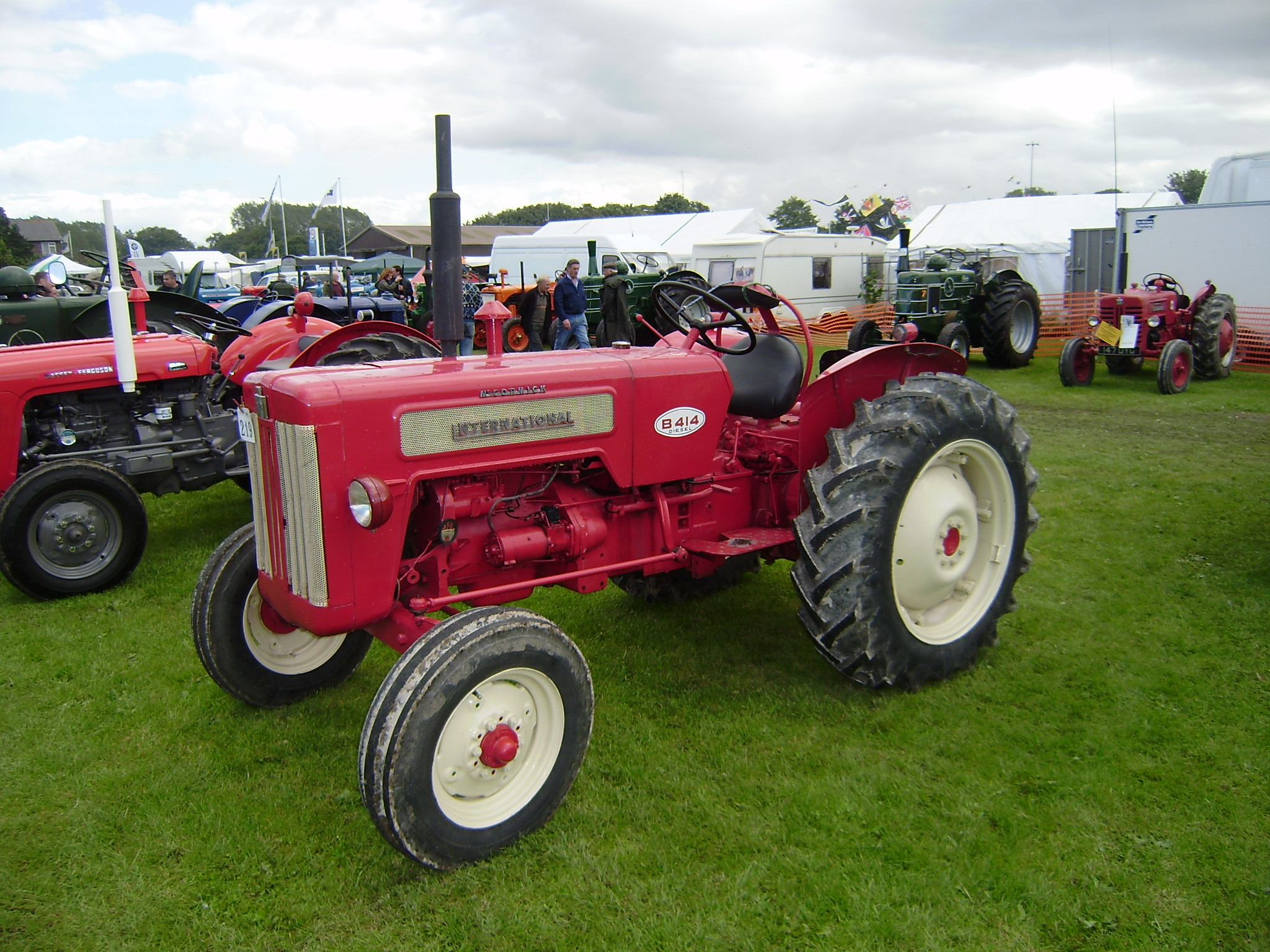 International b414 tractor construction plant wiki fandom international b414 freerunsca Images