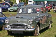 Austin A105 Vanden-Plas front