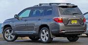 2007-2010 Toyota Kluger (GSU45R) KX-S wagon (2010-07-22)