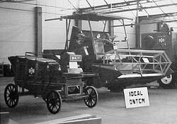 IDEAL CA-800 b&w combine - 1970