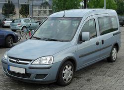 Opel Combo C Tour 1.7 DTI front 20100808