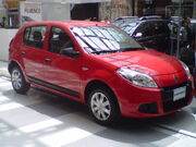 Renault-Sandero-2013