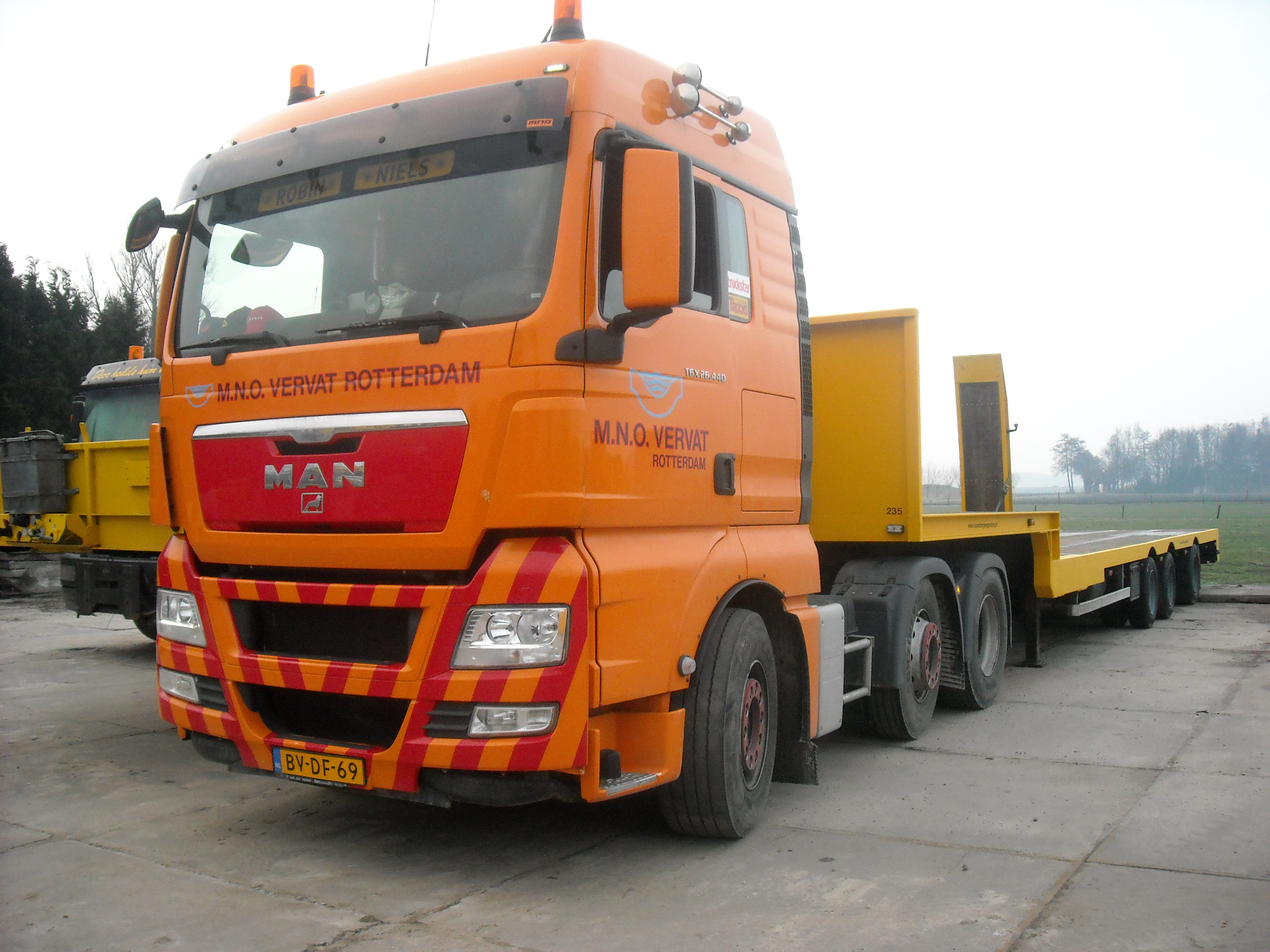 List of truck manufacturers