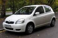 2002 Toyota Vitz 01