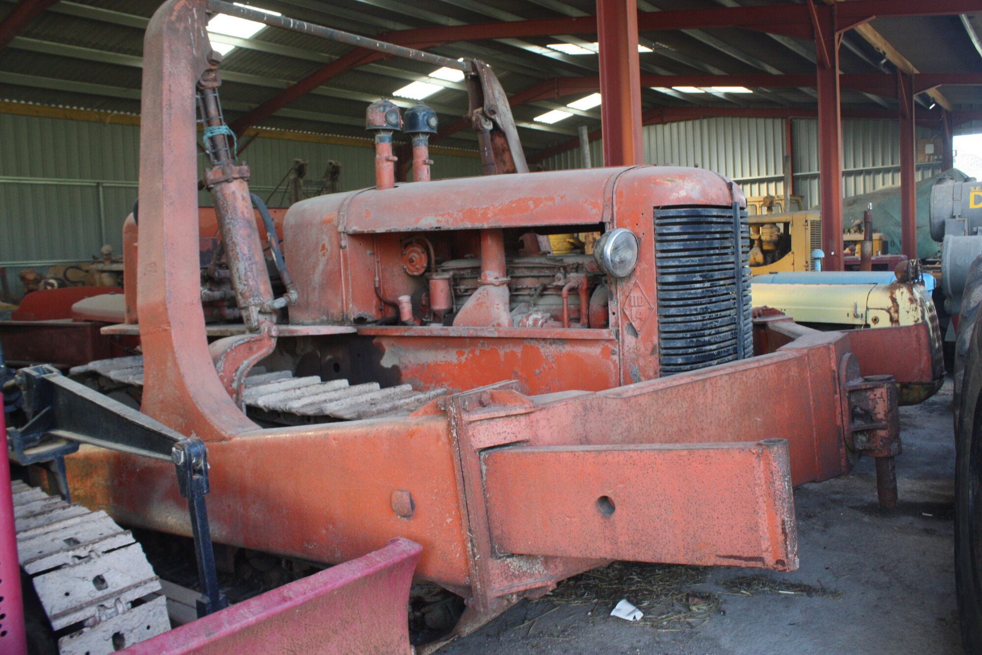 Allis Chalmers Company : Allis chalmers construction equipment tractor