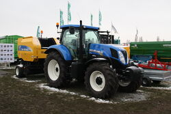 New Holland T7.185 tractor + BR7060 baler at LAMMA 2013 IMG 6320