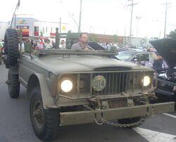 Military Jeep Gladiator (Orange Julep)