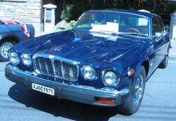 '75 Jaguar XJ6 (Auto classique Pointe-Claire '11)