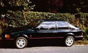 Ford Escort XR3i with Hedge