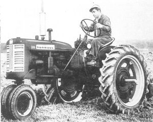 McCormick Farmall 230 1957