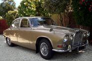 1968 Jaguar 420 (front quarter)