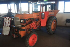 Allis Chalmers with cab at lamma -IMG 4501