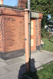 Edward Finch & Co sign post - Toddington - IMG 4134
