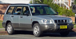 2000-2002 Subaru Forester Limited wagon (2010-06-10)