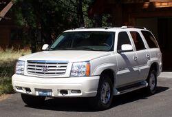 2005 Cadillac Escalade Front