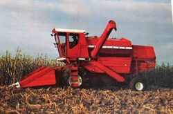 Oliver 7600 combine (red)
